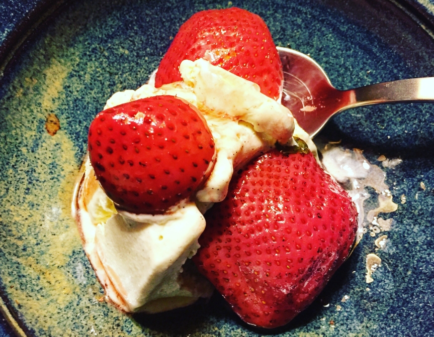 Erdbeeren sousvide – mit Vanille, Balsamico, Basilikum,Pfeffer