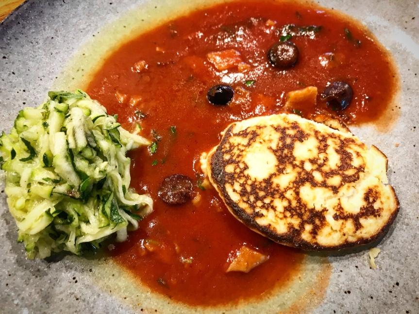 Ricotta-Küchlein mit Zucchini-Salat