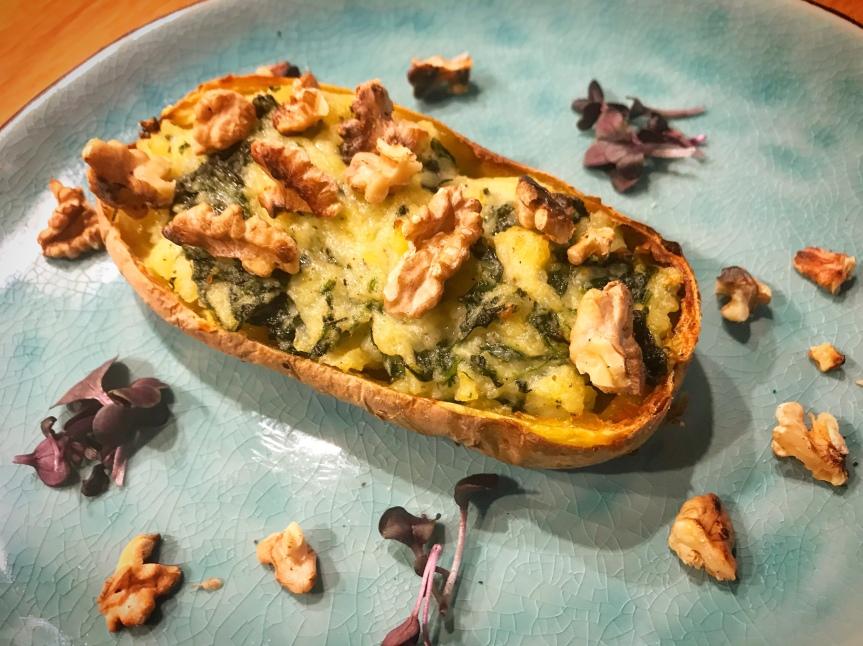 Ofenkartoffeln mit Gorgonzola undSpinat
