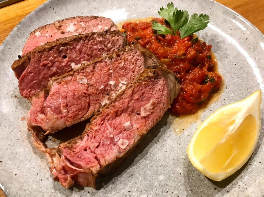 Steak mit Harissa undPaprika