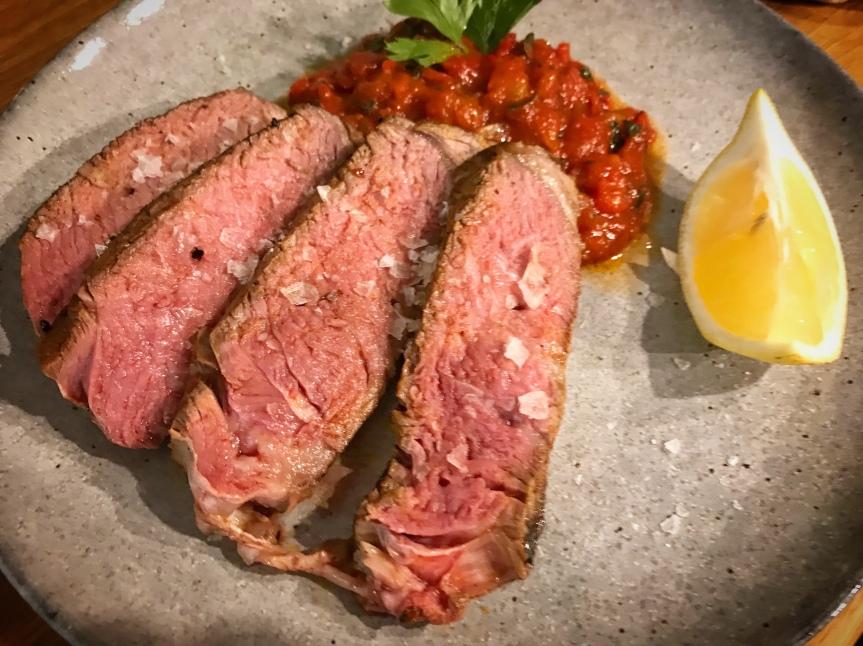 Steak mit Harissa und Paprika
