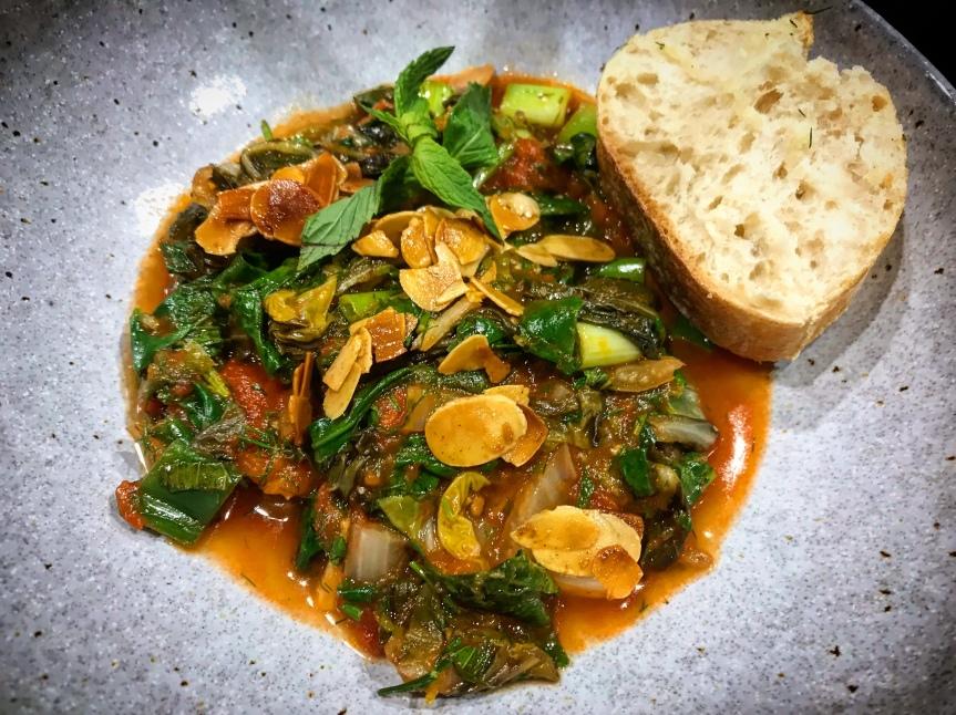 Spinat mit Mangold, Minze undMandeln