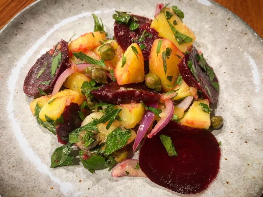 Kartoffelsalat mit roterBeete