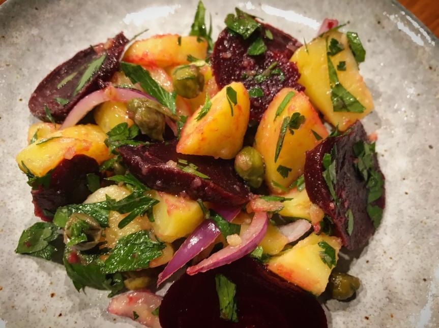 Kartoffelsalat mit roter Beete