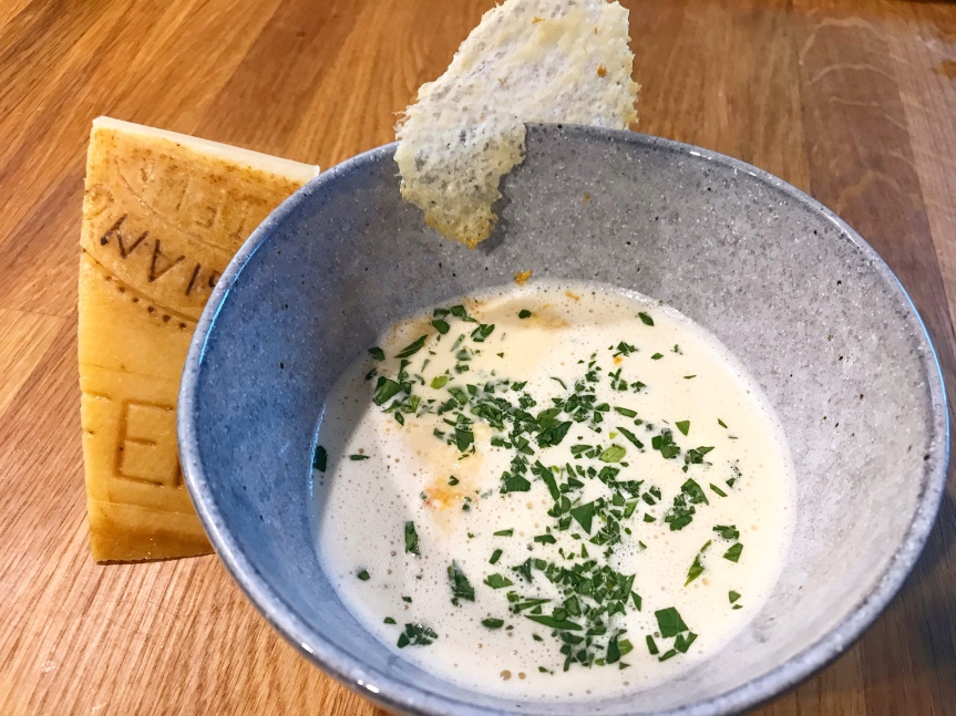 Parmesan-Suppe
