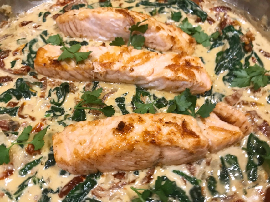 Lachs-Spinat-Pfanne mit Pasta